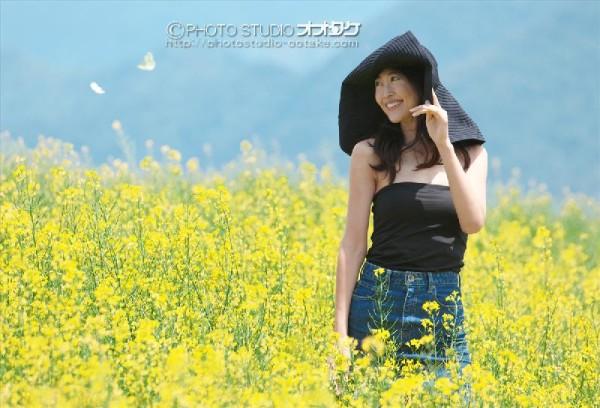 菜の花とモデル撮影会 オオタケカメラ